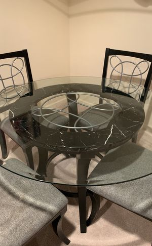 Glass Dinning table for Sale in Cleveland, OH