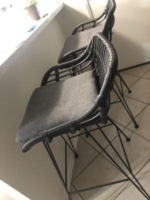 Indoor/outdoor bar height stools for Sale in Riverside, CA