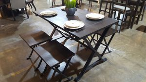 Dining Table and Stools for Sale in Dallas, TX