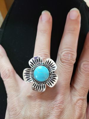 Size 7 fashion ring for Sale in Davenport, FL