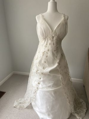 Romantic gowns gwenivere wedding dress for Sale in Troy, MI
