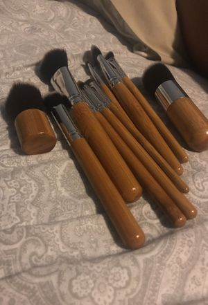 Makeup brushes for Sale in Cleveland, OH