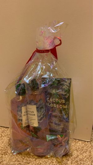 Bath and body works gift set for Sale in Orlando, FL