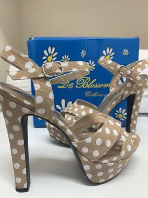 Dots Platform High Heels Beige/White Size 7.5 for Sale in Las Vegas, NV