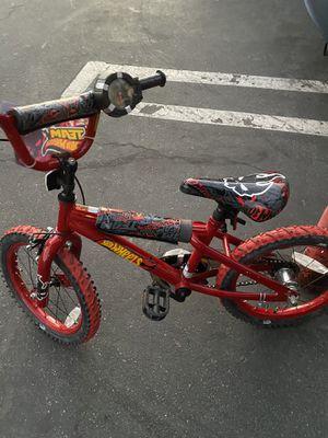 Bicicleta hot Wheels 16 for Sale in Cerritos, CA