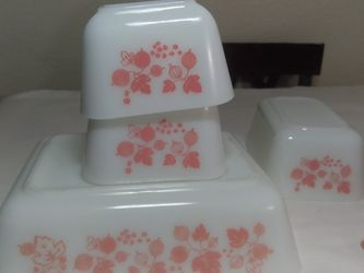 Vintage Pyrex Gooseberry Refrigerator Dishes for Sale in San Dimas,  CA