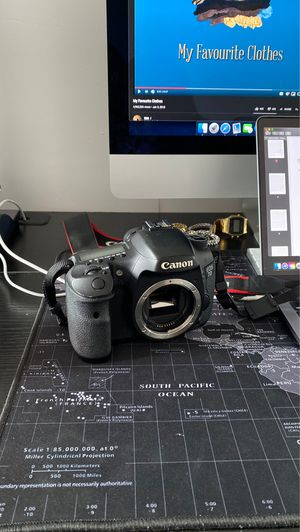 Canon 7D BODY ONLY for Sale in New York, NY