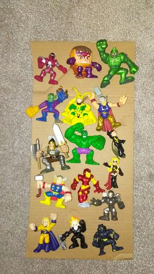 Action figures avengers for Sale in Warwick, RI