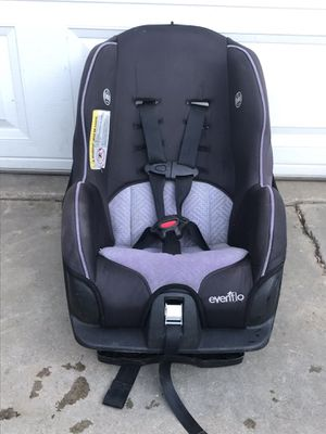 Car seat look at all the pictures for Sale in Santa Fe Springs, CA