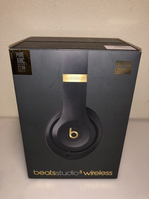 Brand new beats studio 3 shadow grey for Sale in Westlake, OH
