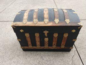 Antique Trunk for Sale in Murfreesboro, TN