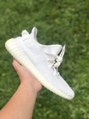 Adidas Yeezy Triple white size 8 for Sale in Hialeah, FL