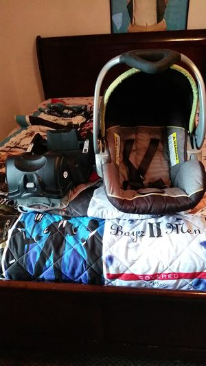 Infant car seat baby trend for Sale in Jacksonville, AR