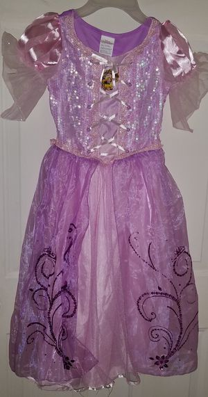 Halloween Rapunzel costume for Sale in Lakeville, MN