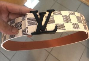 Unisex white monogram belt sz M ( sz 32/34 waist ) excellent! Serious buyers only for Sale in Silver Spring, MD