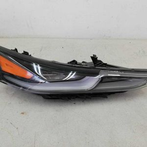 2019 -2020 HYUNDAI SANTA FE LED FRONT RIGHT SIDE HEADLIGHT OEM for Sale in Calexico, CA