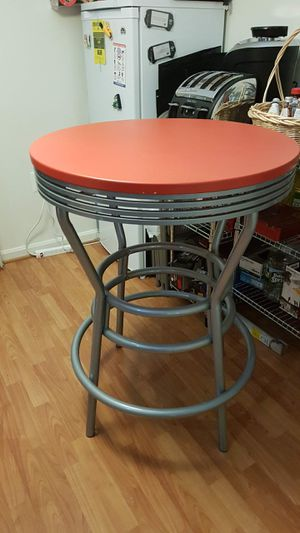Gently used round table for two $25 for Sale in Rockville, MD