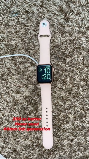 Apple Watch rose gold for Sale in Nashville, TN
