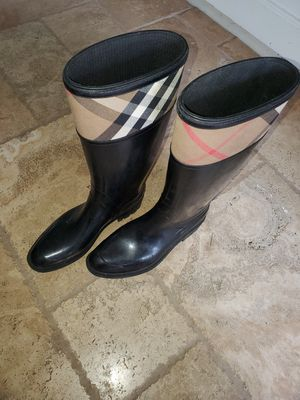 BURBERRY AUTHENTIC RAIN BOOT. for Sale in Bolingbrook, IL