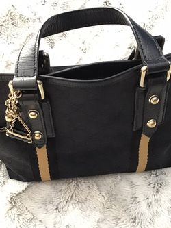 Women's Small Gucci Tote Bag for Sale in Millbury,  MA