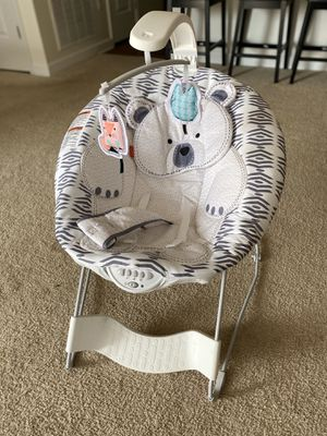 Fisher Price See & Soothe Deluxe Bouncer Hands-Free for Sale in Dover, DE