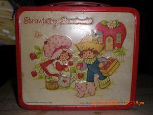 Strawberry Shortcake 1980 metal lunchbox for Sale in Huntingdon, TN