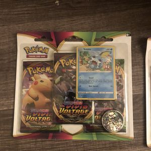Pokémon vivid voltage 3 pack blister pack promo card for Sale in Escondido, CA