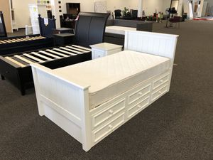 TWIN SIZE BED WITH DRAWERS for Sale in Corona, CA