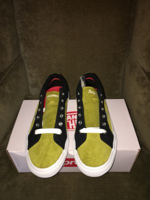 ORIGINAL SUPREME VANS. SNEAKERS DEAD STOCK. AUTHENTIC. BRAND NEW. SIZE 10 for Sale in Yonkers, NY