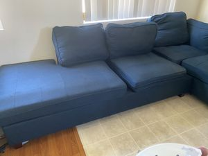 Couch like new no pet for Sale in Los Angeles, CA