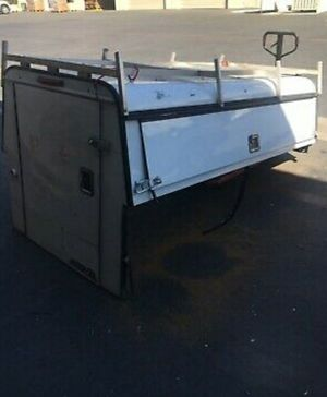 ARE Aluminum Truck Cap With Ladder Rack. for Sale in Rancho Cucamonga, CA
