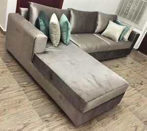 New grey velvet Sectional Sofa couch for Sale in Winter Park, FL