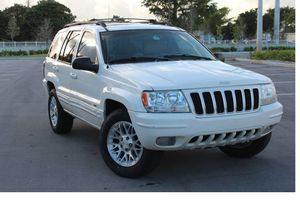 Strong 2004 Jeep Grand Cherokee AWDWheels Clean for Sale in Long Beach, CA