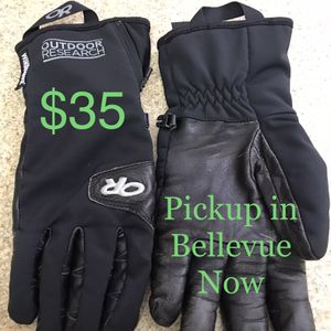 Stormtracker Mountaineering Gloves for Sale in Newcastle, WA