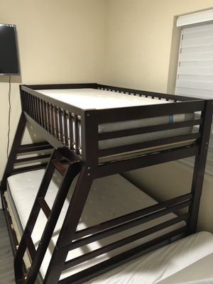 El dorado furniture Twin Full bunk bed with drawers with 2 mattress for Sale in Miami, FL