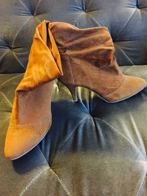 Camel Suede Boot Heels Size 9 for Sale in San Diego, CA