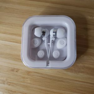 Jack Daniel's Tennessee Honey Earbuds With Case. for Sale in Woodridge, IL