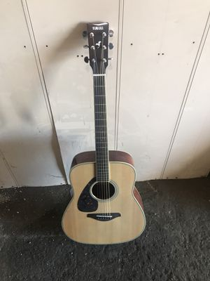 Yamaha FG820L lefty acoustic folk guitar for Sale in Cleveland, OH