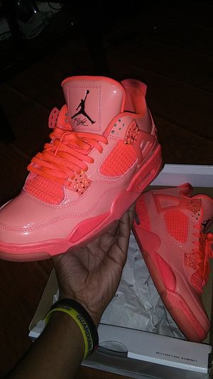 9.5 WMNS Hot Pink Air Jordan 4 Retros for Sale in Houston, TX