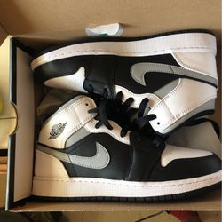 Air Jordan 1 Mid for Sale in Los Angeles,  CA