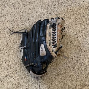 Wilson Baseball Glove for Sale in Temecula, CA
