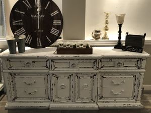 Buffet dresser for Sale in Freehold, NJ