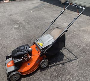 Husqvarna Lawn Mower for Sale in Chesterfield, MO