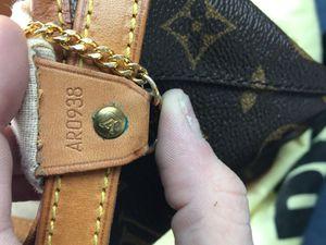 Louis Vuitton mini bucket for Sale in Memphis, TN