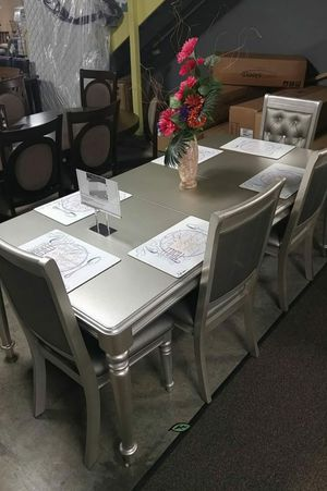 ♨️♨️ Best Offer ♨️Orsina Silver Mirrored Extendable Dining Set SAME DAY DELIVERY 🙋‍♀️🙋‍♀️🙋‍♀️ for Sale in Jessup, MD