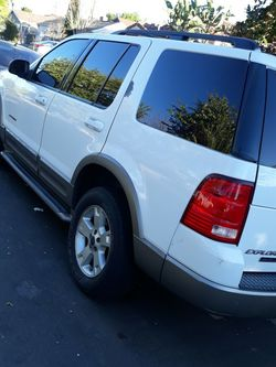 Ford Explorer 2004 for Sale in Los Angeles,  CA