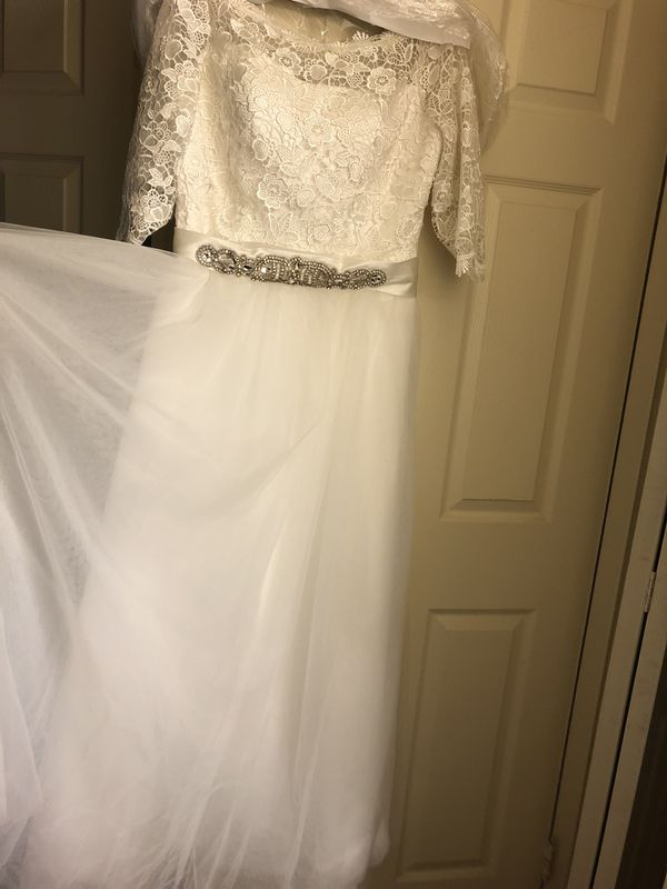Half sleeve princess lace wedding dress