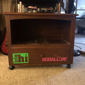 Small TV stand/side table for Sale in Milwaukie, OR