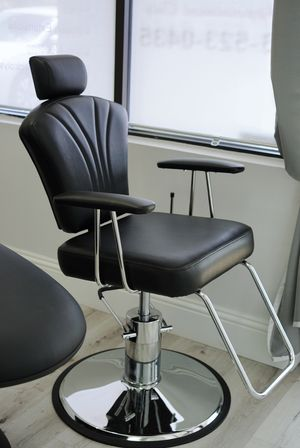Brow artist or hair dresser chair for Sale in Riverview, FL