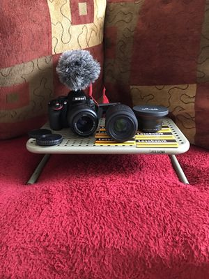 Nikon D5100 (Great Condition) for Sale in Decatur, GA